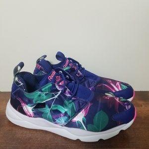 8c351354e87 Reebok Shoes - Reebok